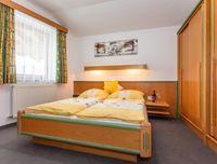 ferienwohnung-hinterglemm-schlafzimmer-top2.jpg